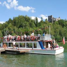 Zegluga na jeziorze Czorsztyńskim